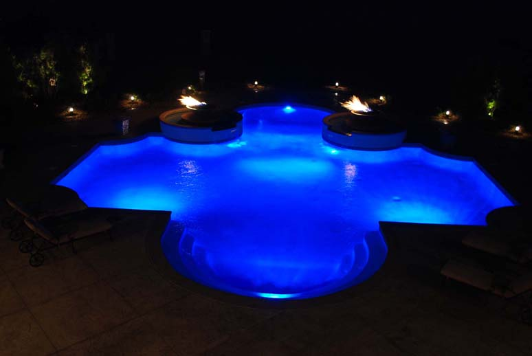 Tulsa pool Lighting done by Blue Haven Pools
